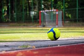 soccer-933037__180